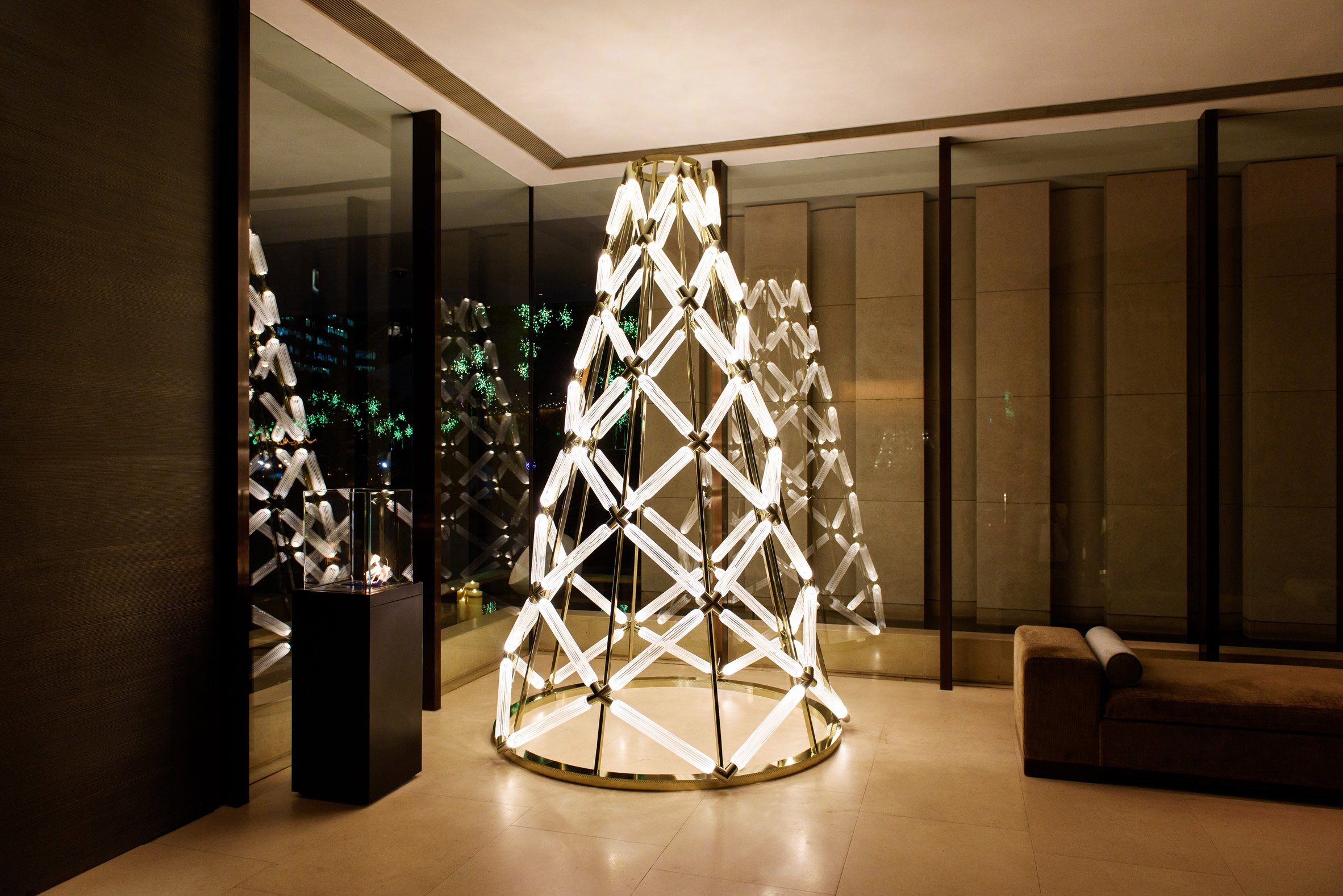 Lasvit and Yabu Pushelberg unveil illuminated glass Christmas tree