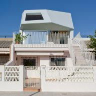 """Laura Ortín adds """"aesthetically disobedient"""" extension to beachfront home in Spain"""