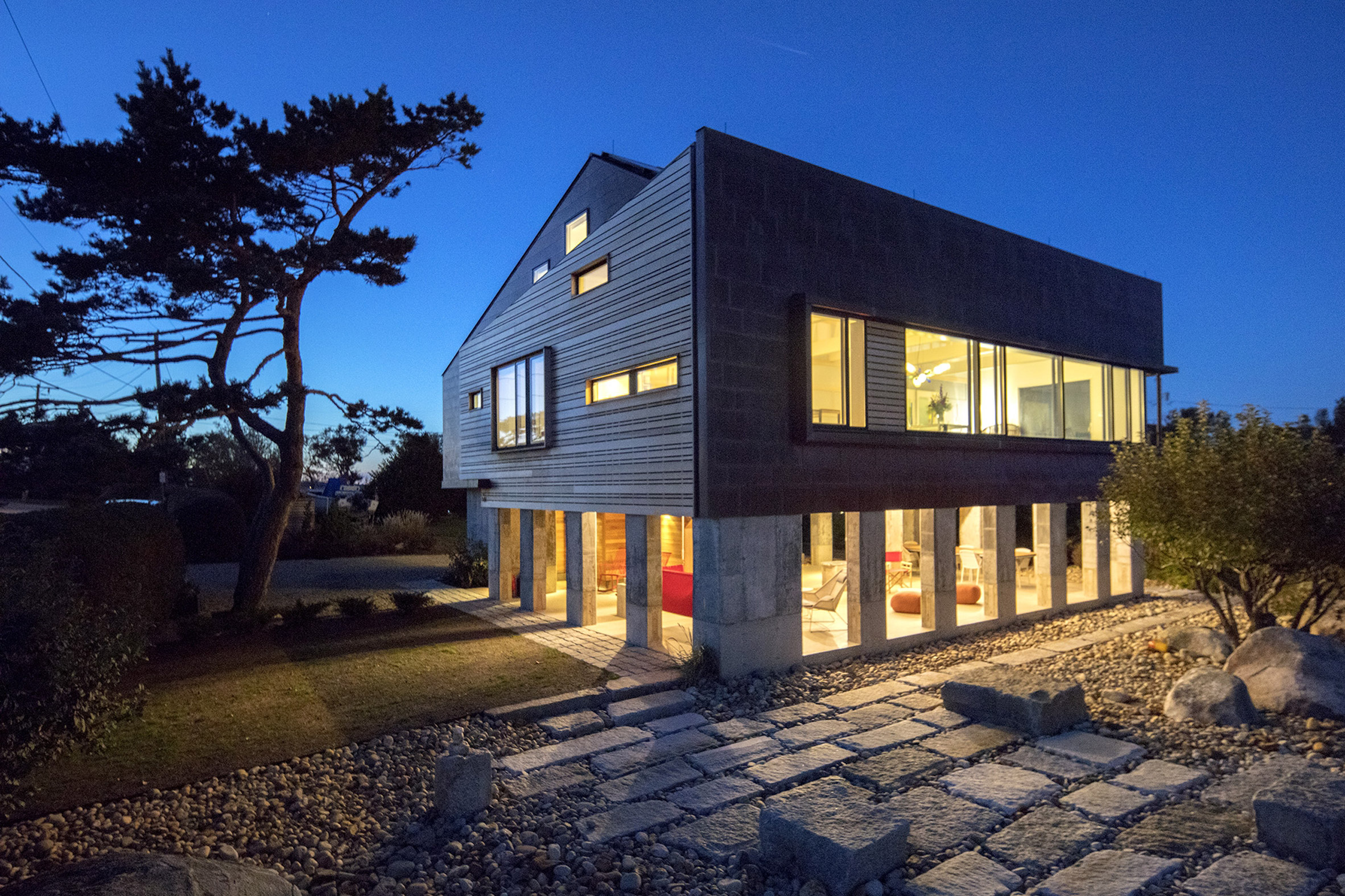 Gap Cove House by Ruhl Walker