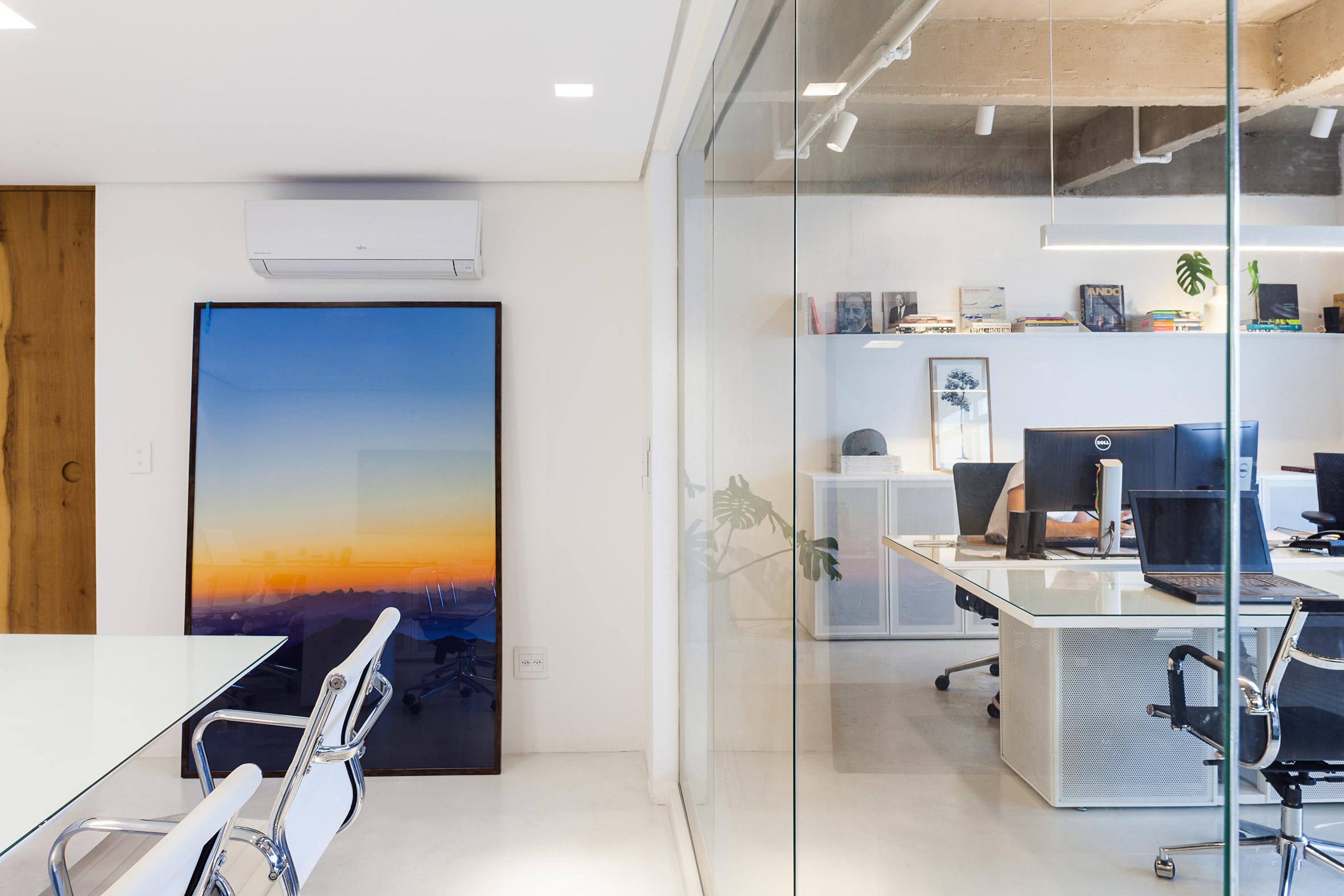 Headquarters by Estúdio BG