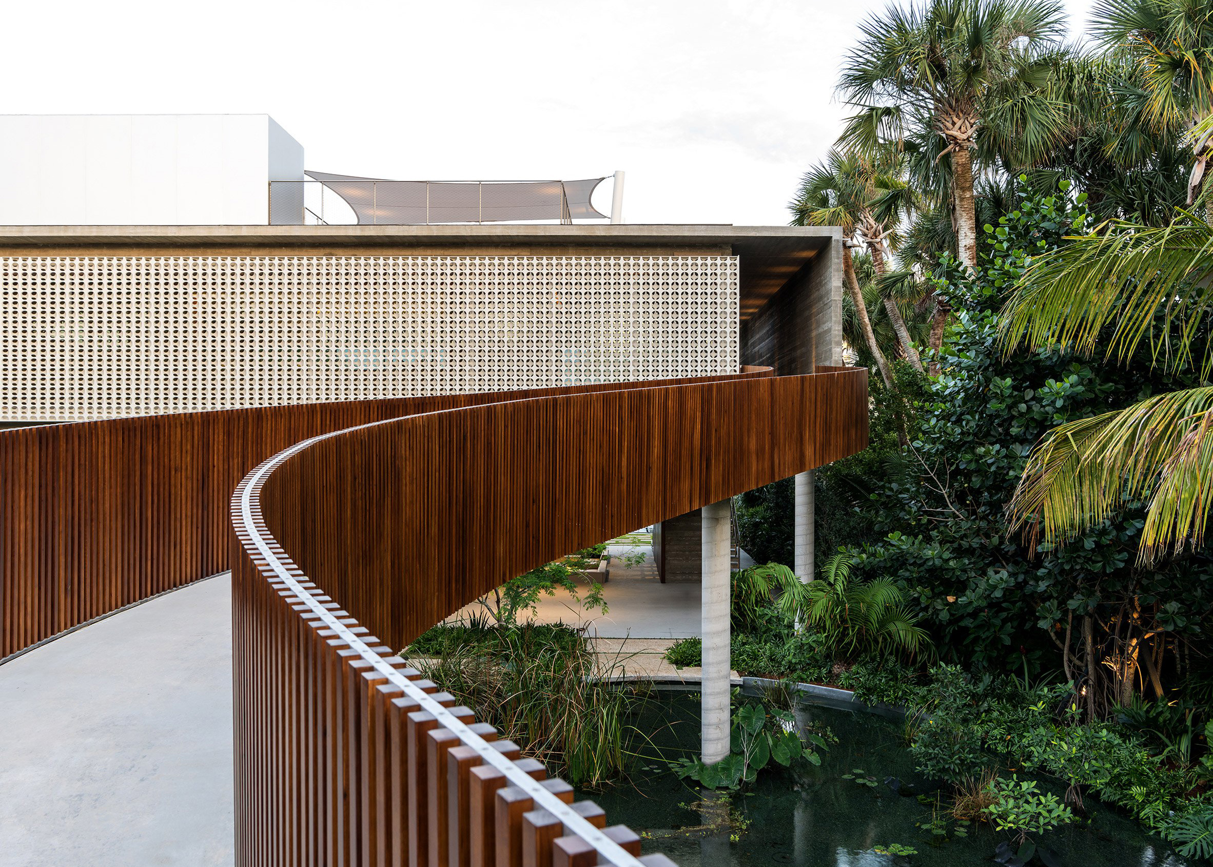 Pine Tree Drive, Florida, by Studio MK27