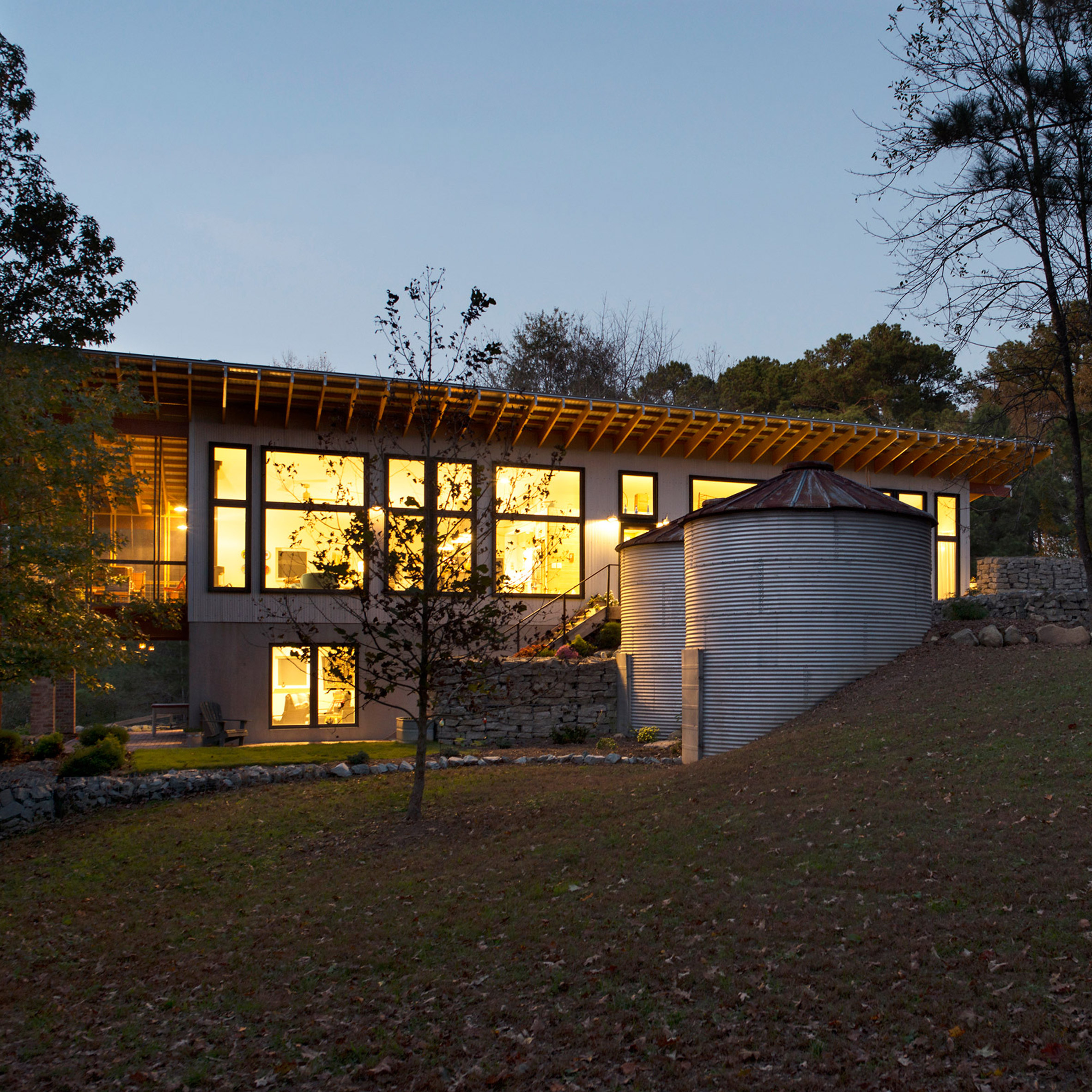 North Carolina Farmhouse By Buildsense Combines Rustic And Modern Features