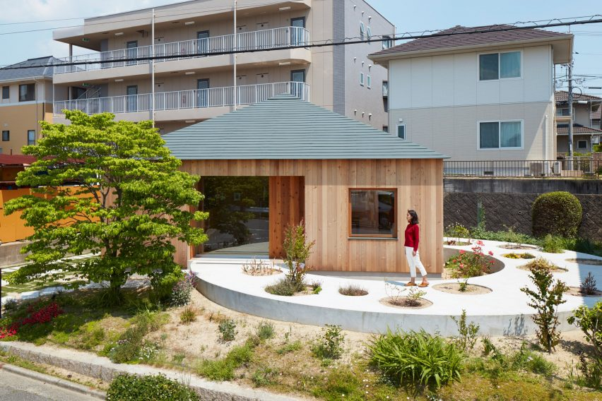 house in mukainada japan by fujiwaramuro architects 10 of 10 - Architecture For Home