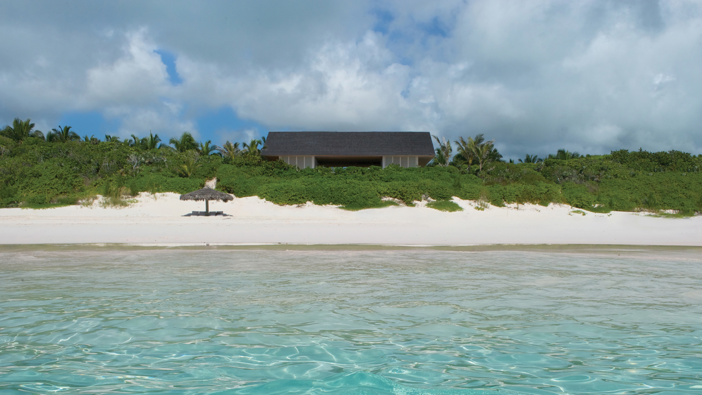 Oppenheim Architecture founder's Bahamas holiday home perches on a sandy dune