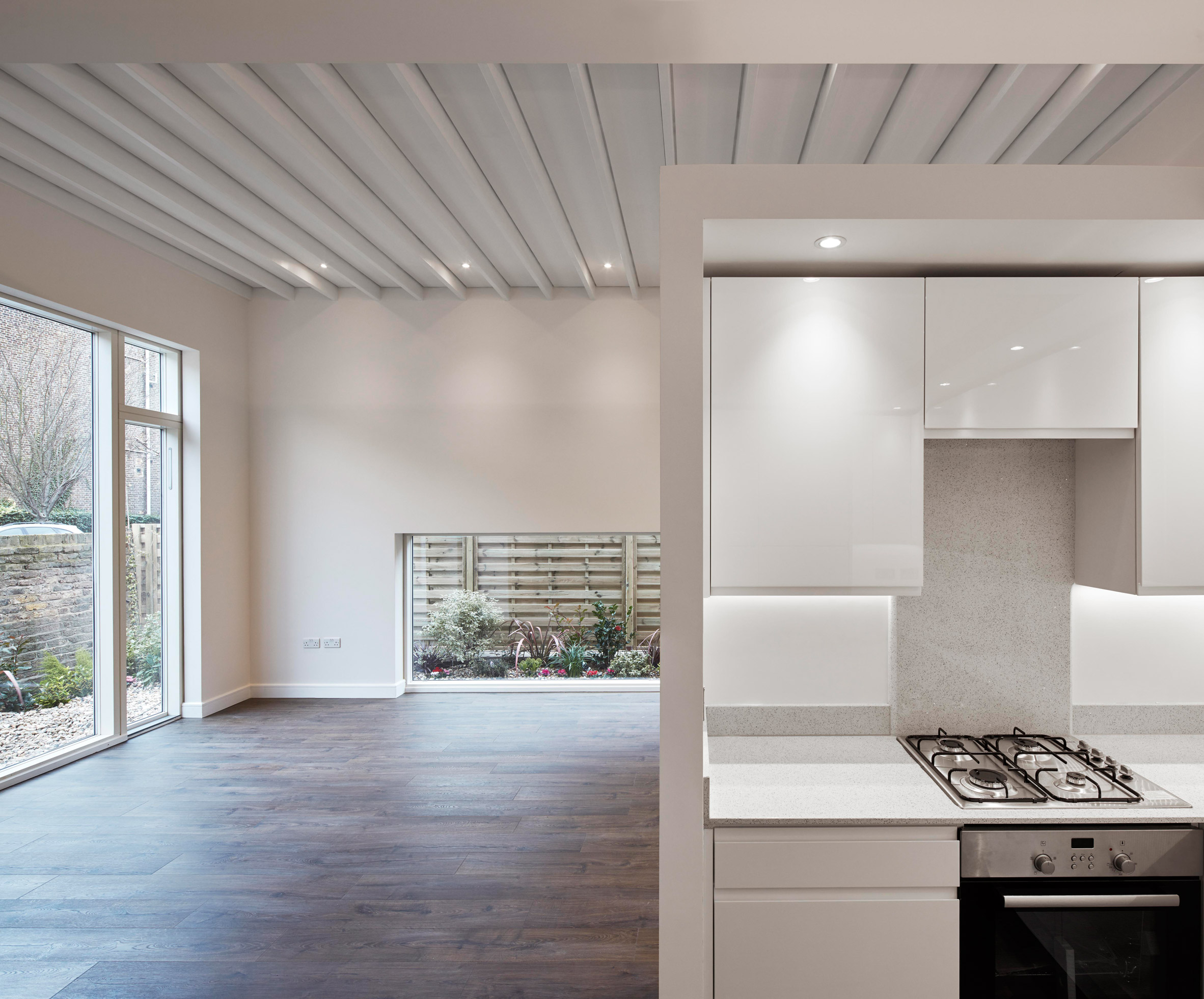 New House in Kings Crescent by Madoc Architecture