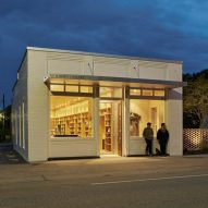 Alabama architecture students convert historic bank into library for rural town