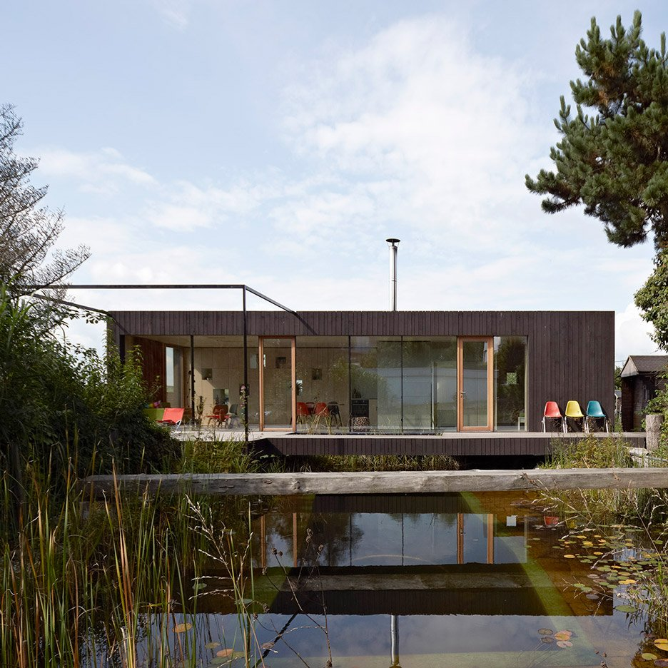 10 homes organised around scenic ponds or lakes