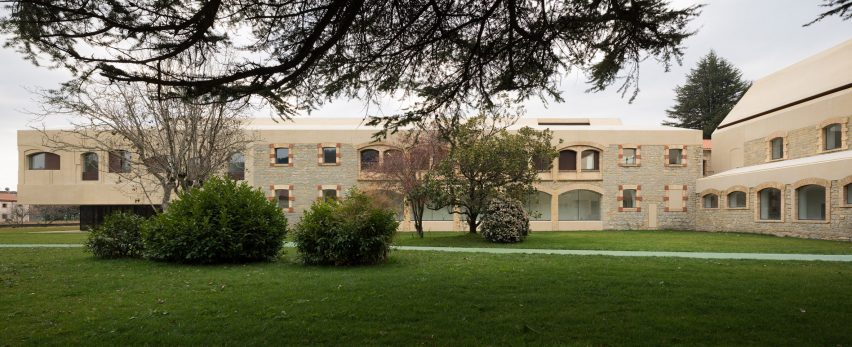 Psychiatric Center by Vaillo+Irigaray Architects