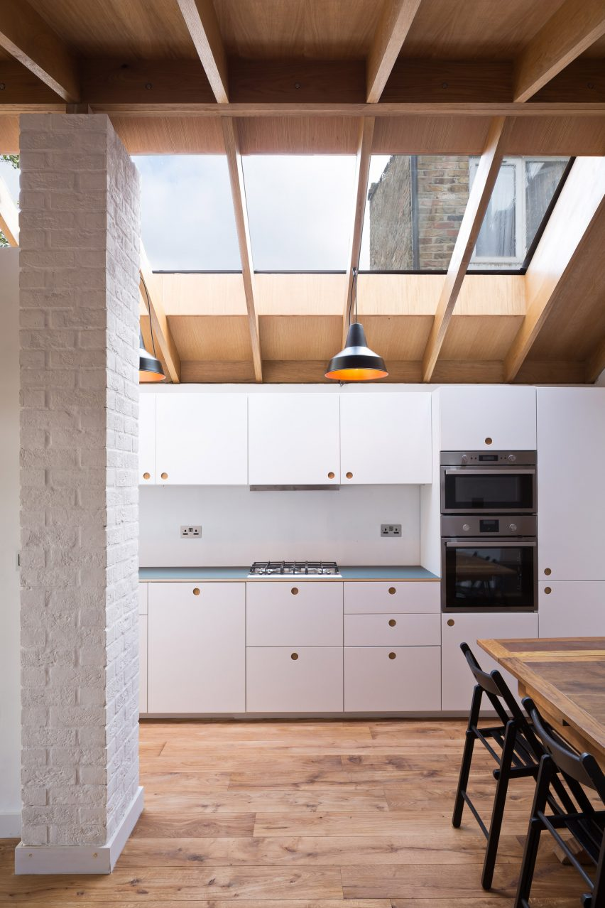 Grey Griffiths Architects\' London extension features exposed roof ...