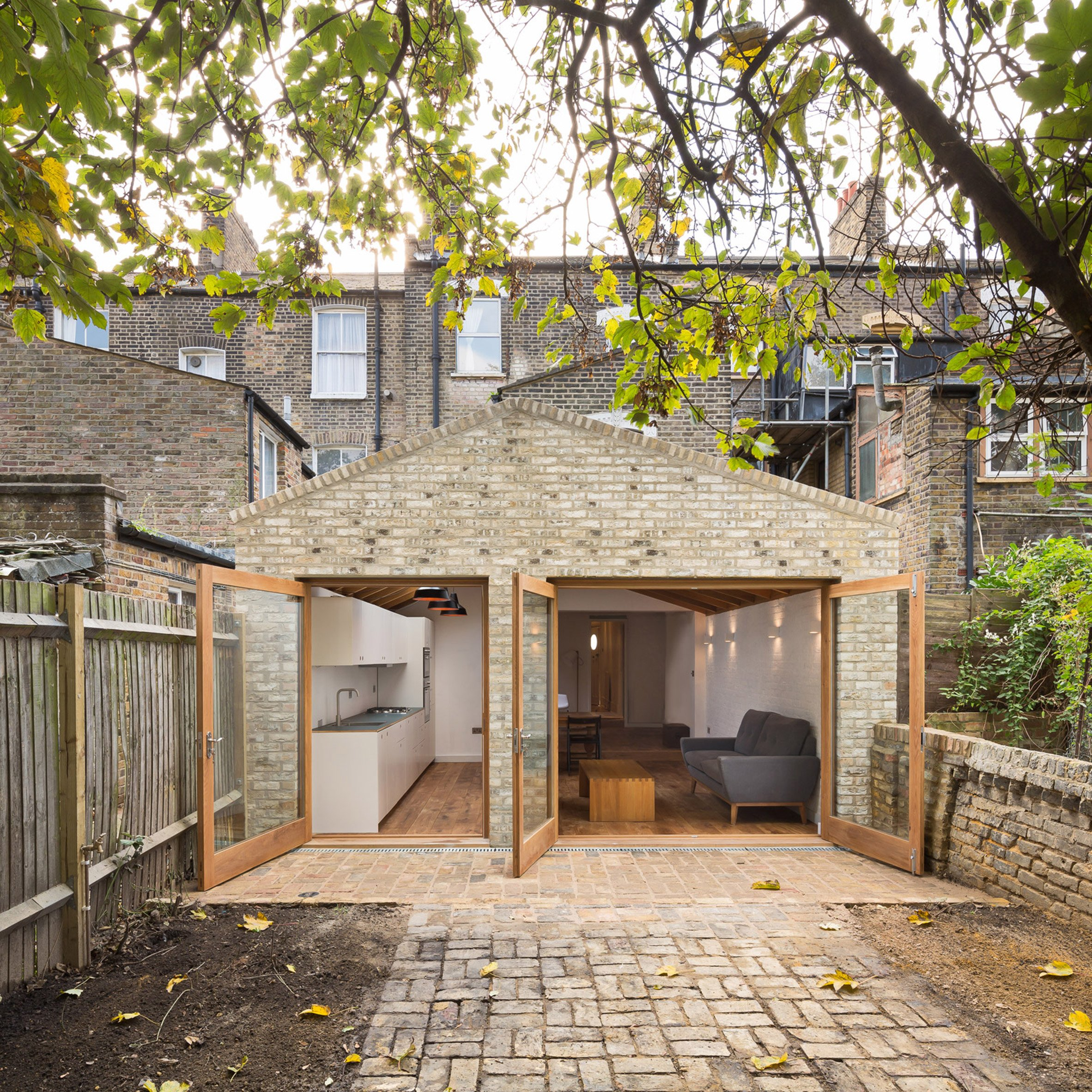 ... Grey Griffiths Architects completes London extension featuring exposed  oak roof structure