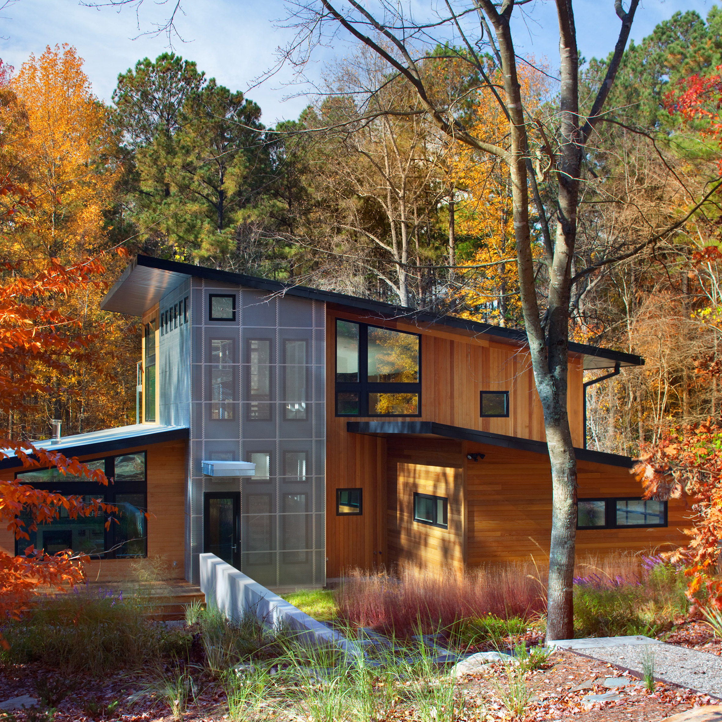 North Carolina Home By Buildsense Reuses Materials From Previous Building  On Site