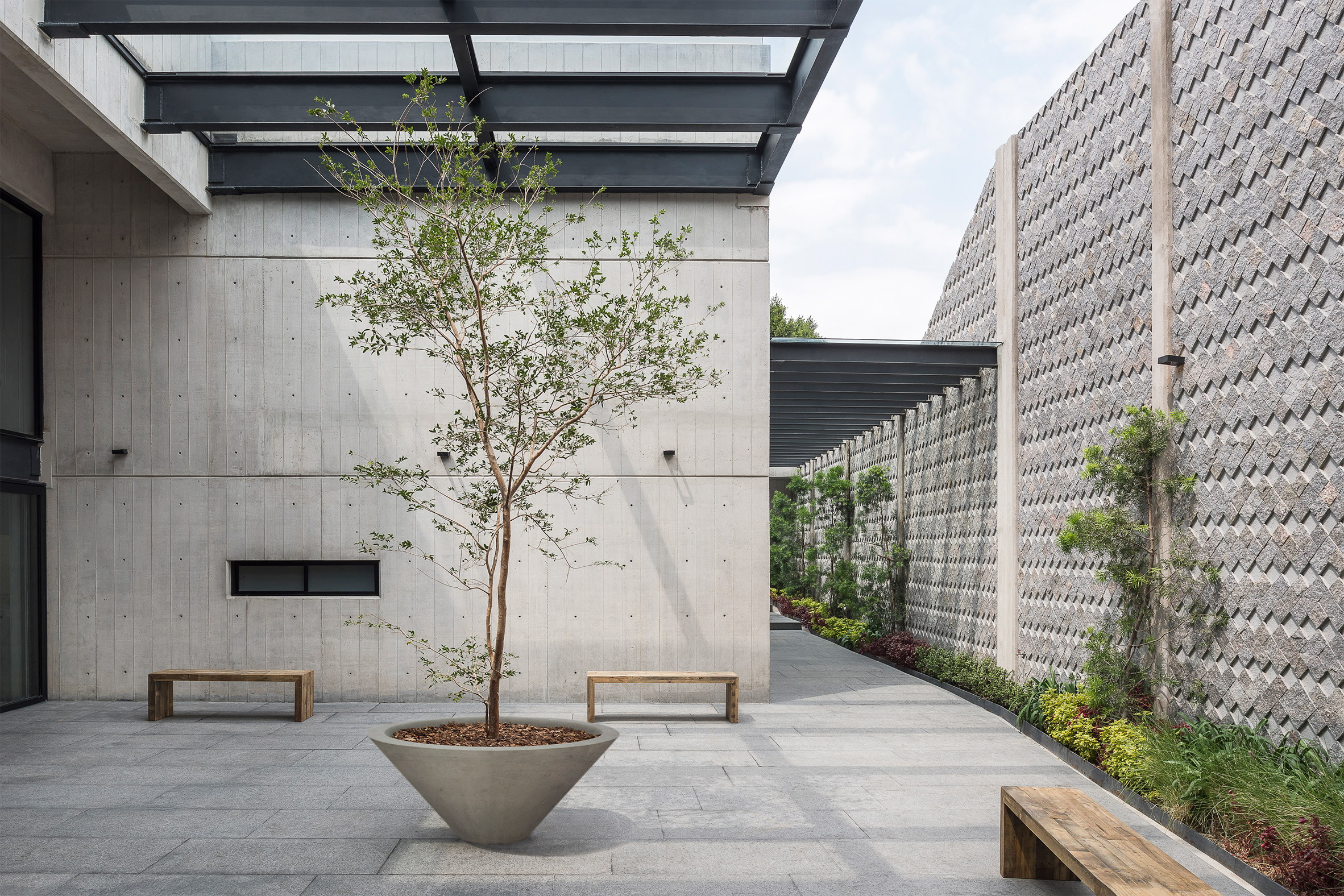 Taller Estrella by Belzberg Architects
