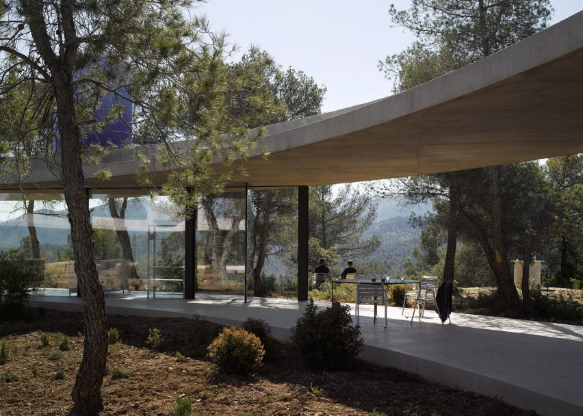 Solo house ii spain by office kgdvs 1 of 10