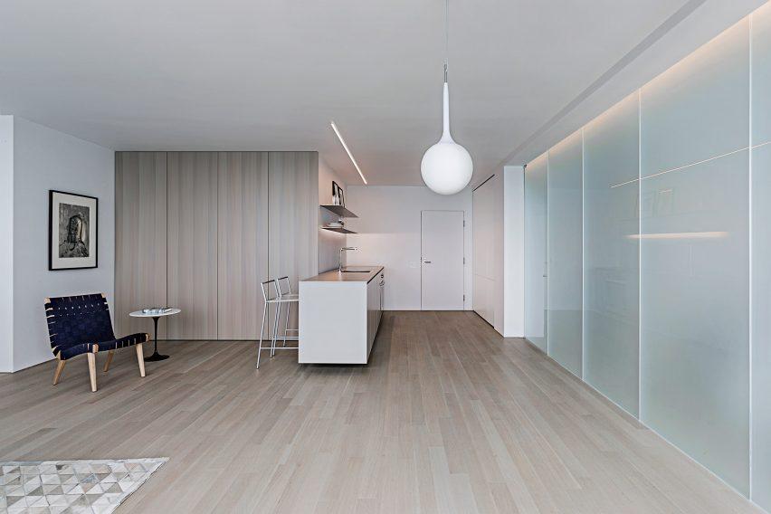 Unit 9C by Vladimir Radutny Architects