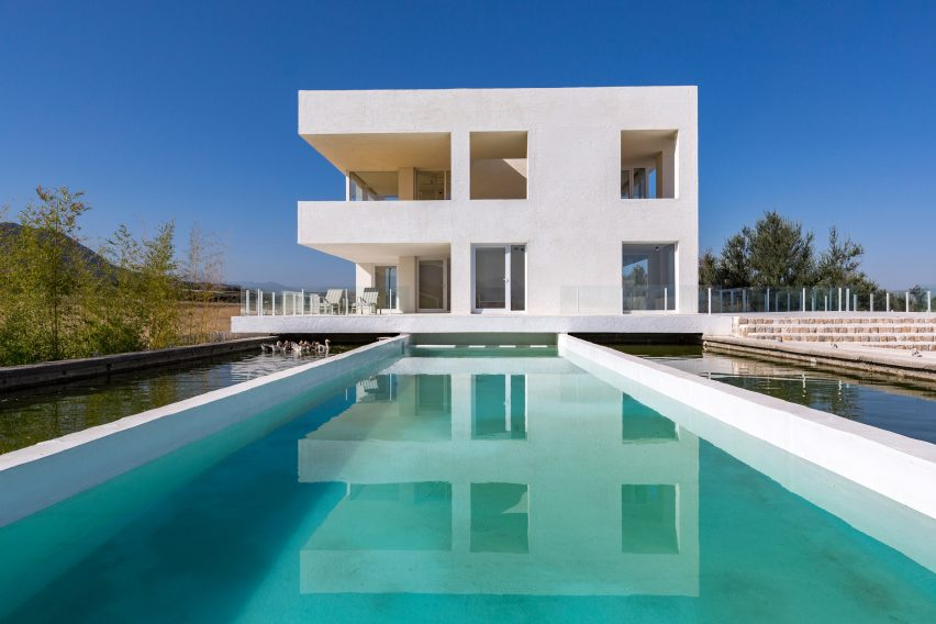 Villa Cheshm Cheran by ZAV Architects