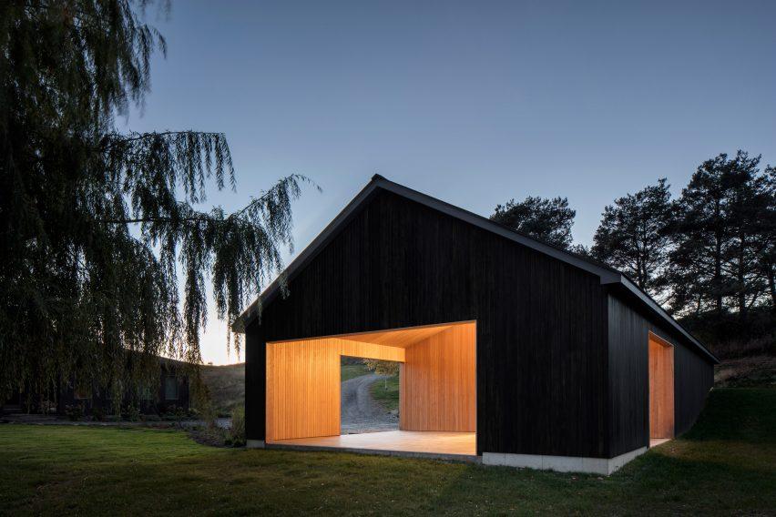Ancram Barn by Worrell Yeung