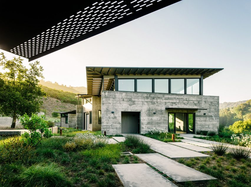 Butterfly House by Feldman Architecture