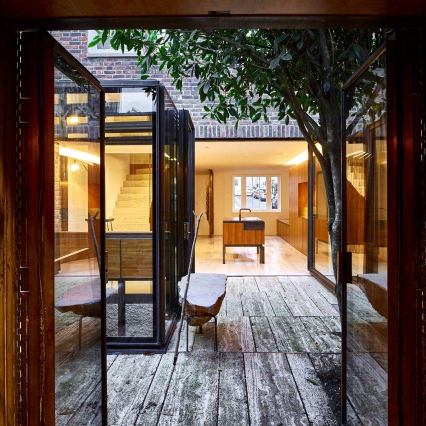 courtyards amin taha architects london bayswater house
