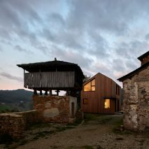 Casa Montaña by Baragaño Architects