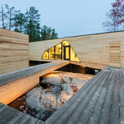 Kiss House by Lazor Office