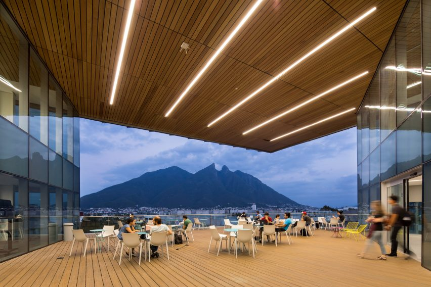 Monterrey Tec library and pavilion by Sasaki