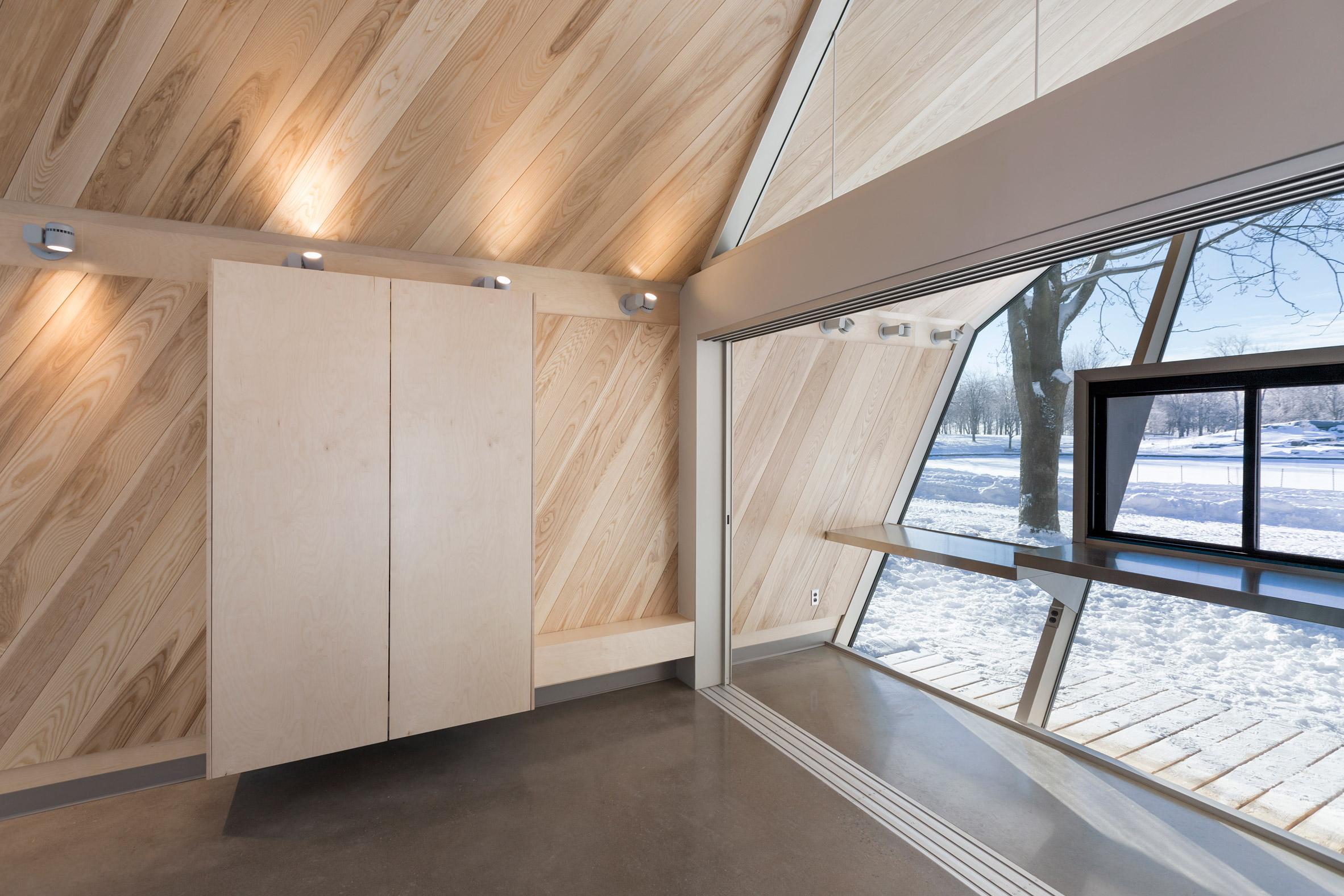 Mount-Royal Kiosks by Atelier Urban Face