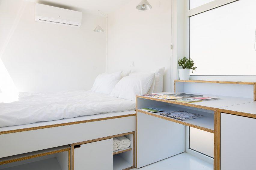 Shoe Box Apartment by Elie Metn