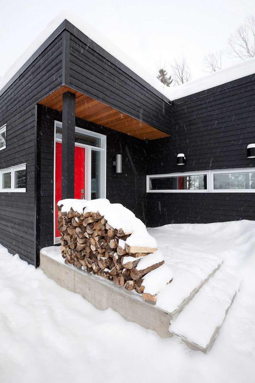 Ski lodge by Kl.tz Design and DKA Architecte
