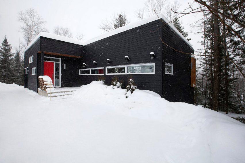 Ski lodge by Kl.tz Design and DKA Architecte