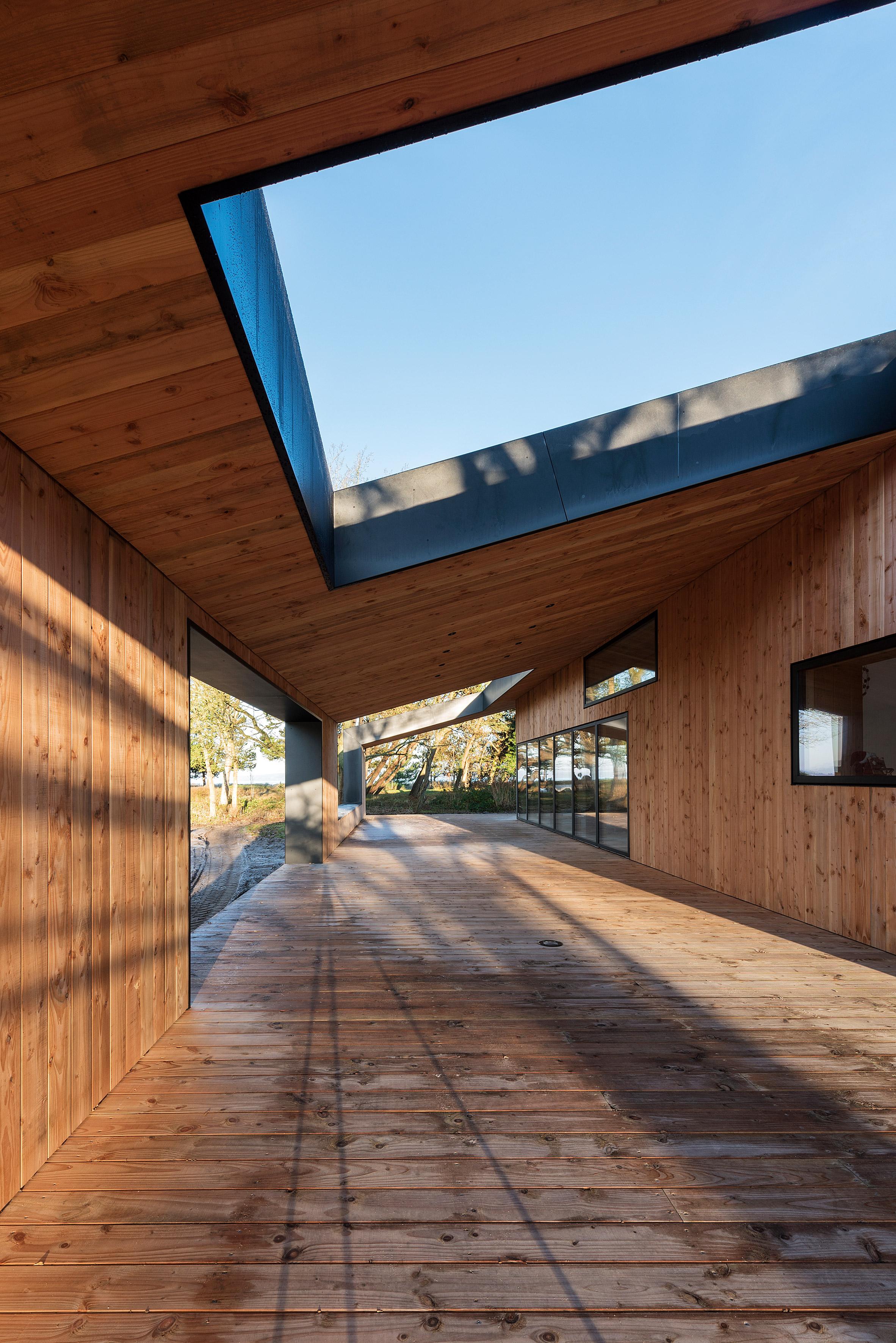 Summerhouse by CEBRA