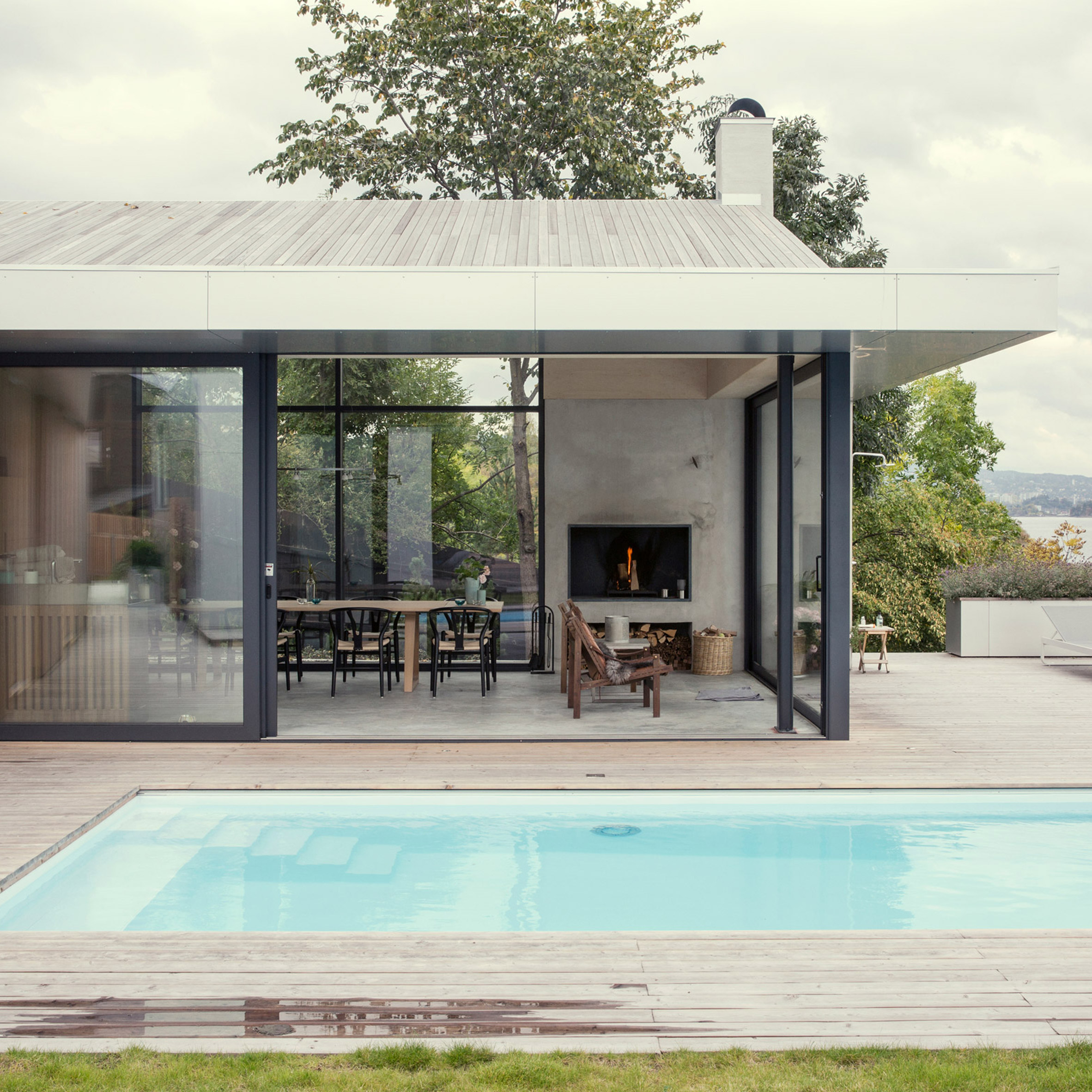 Indoor pool einfamilienhaus  Swimming pool design and architecture | Dezeen