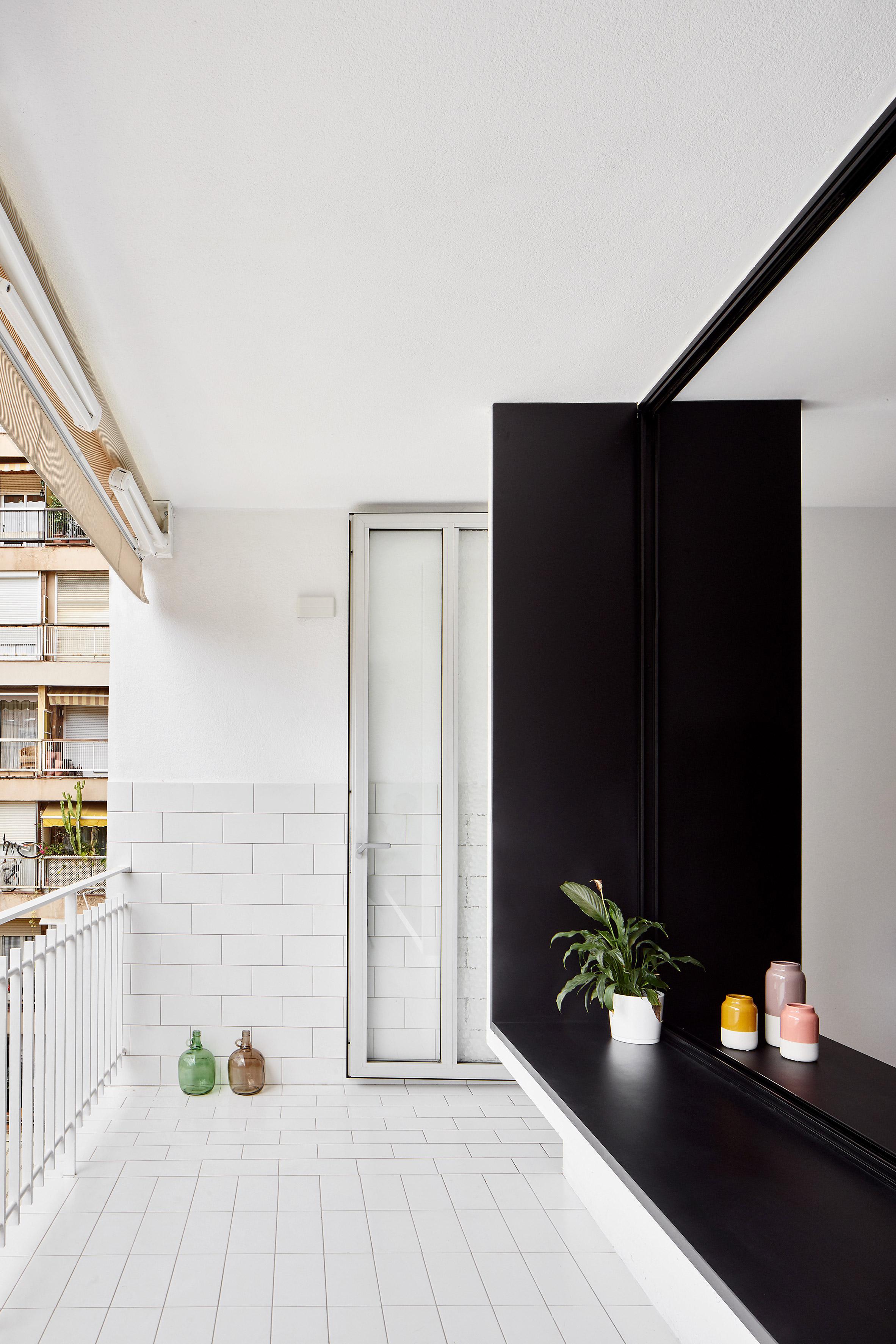 Villarroel apartment by Raul Sanchez Architects