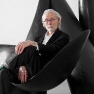 "Wendell Castle ""father of the art furniture movement"" dies aged 85"