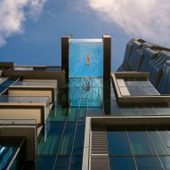 Glass-bottomed pool extends from Honolulu tower by SCB