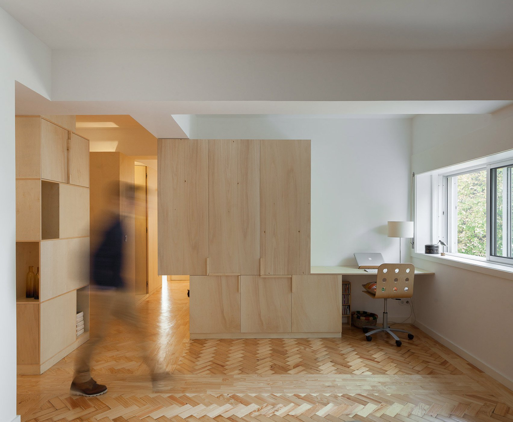Apartment Largo Soares do Reis by Cubículo Architects