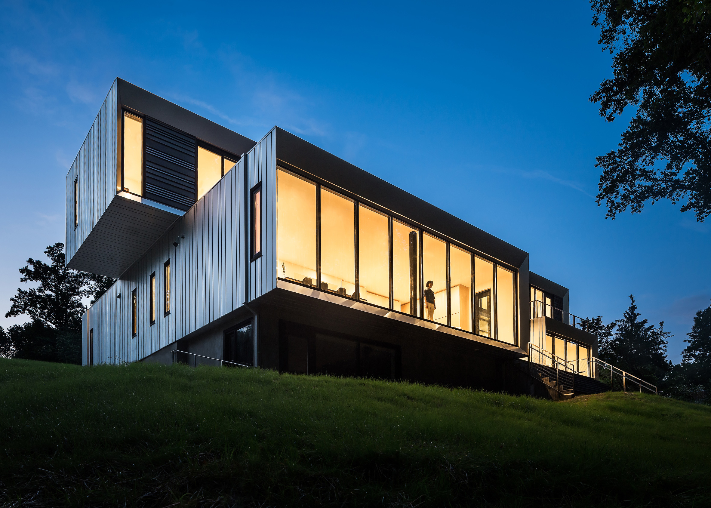 Bridge House by Höweler + Yoon
