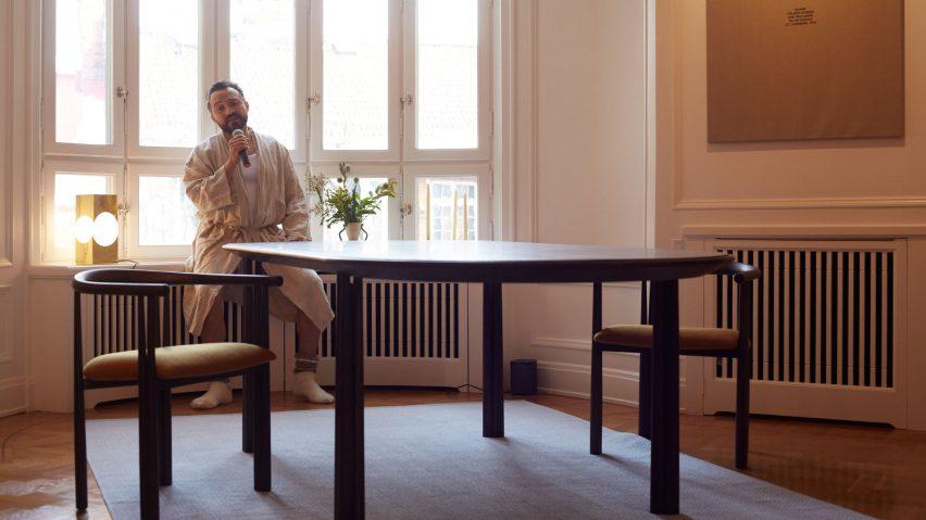De La Espada : De la espada showcases furniture with performance in stockholm flat