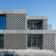 Geometric bas-relief patterns decorate monolithic Egyptian Embassy in Lisbon