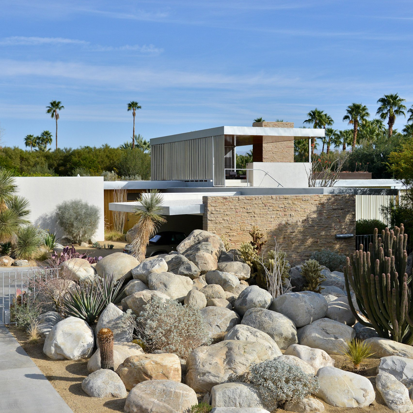Neutras Kaufmann House Epitomises Desert Modernism In Palm Springs