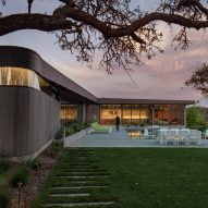 Lichen House by Schwartz and Architecture