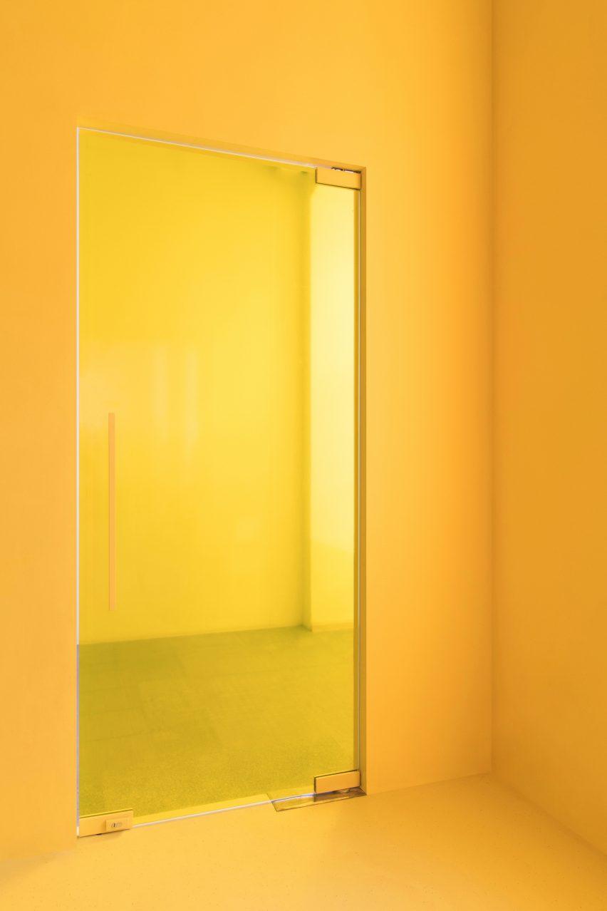 Likeshop Showroom by Eduard Eremchuk