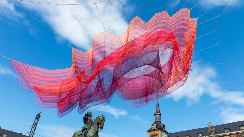 Janet Echelman installs huge netted sculpture above Madrid's Plaza Mayor