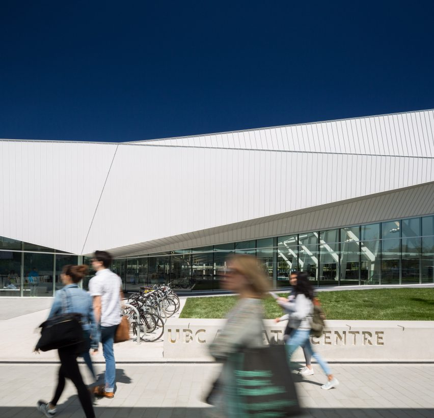 UBC Aquatic Centre by MJMA