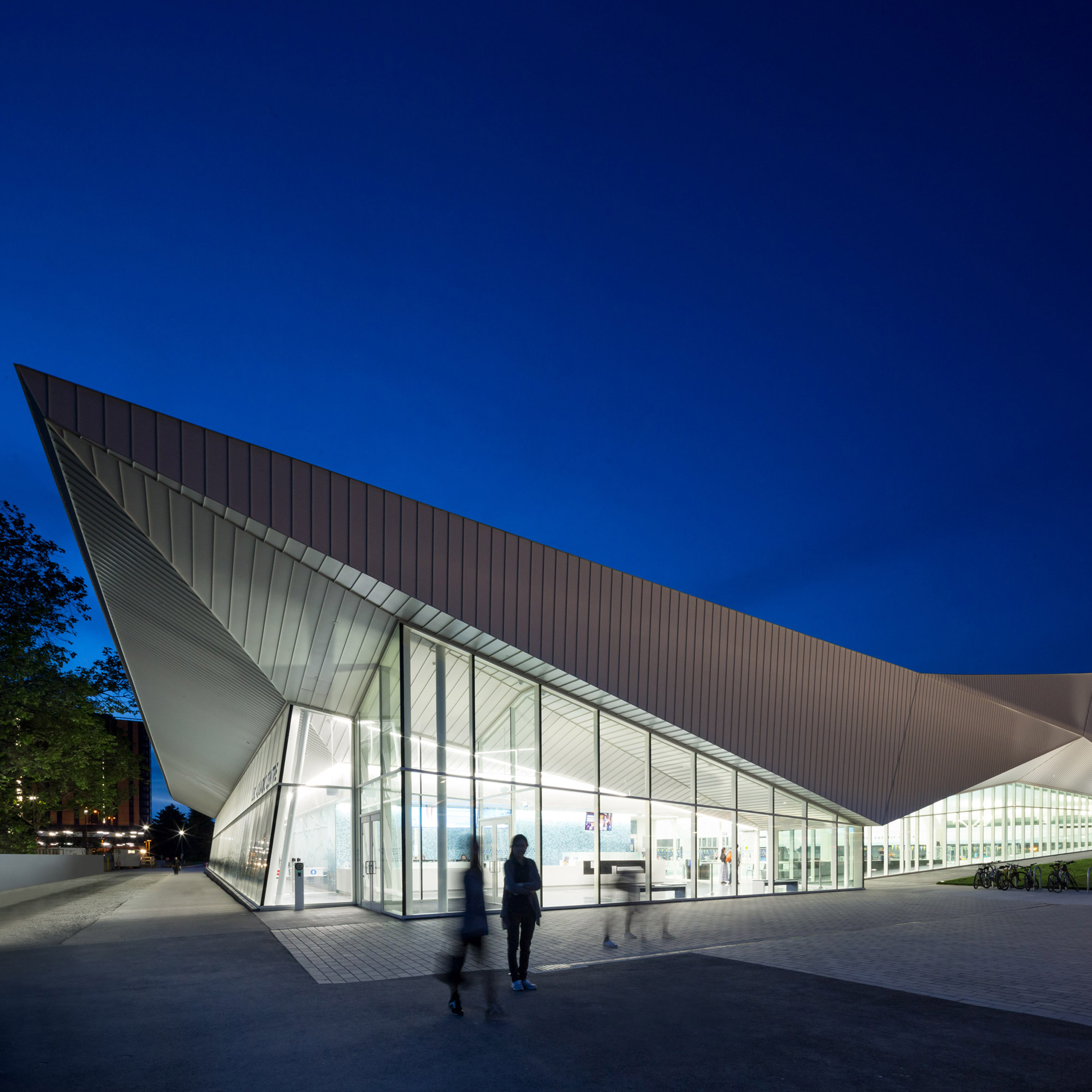 Angular White Roof Covers MJMAu0027s Glazed Aquatic Centre In Vancouver