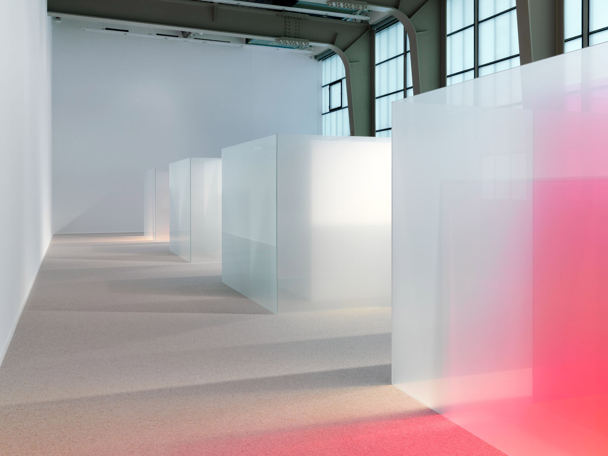 Larry Bell's glass cubes mimic California light and fog