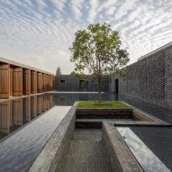 Neri&Hu encloses guest rooms and gardens within grid of brick walls at Tsingpu Yangzhou Retreat