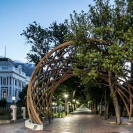 Snøhetta and Local Studio build tribute arch to Desmond Tutu in Cape Town