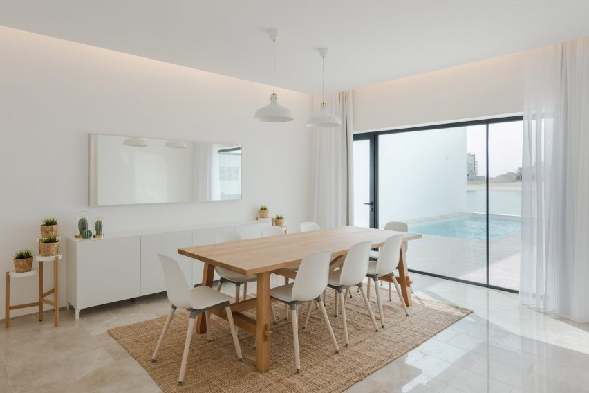 Associated Architects Partnership designs terrace of minimalist ...