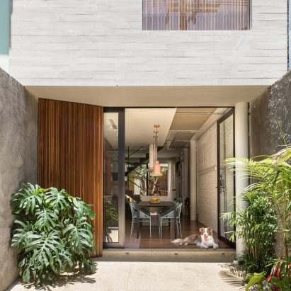 Estúdio BRA Creates Slender Urban Home For Young Couple In São Paulo