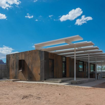 Architecture Students Build Community Hall In Utah Desert Using Repurposed  Materials